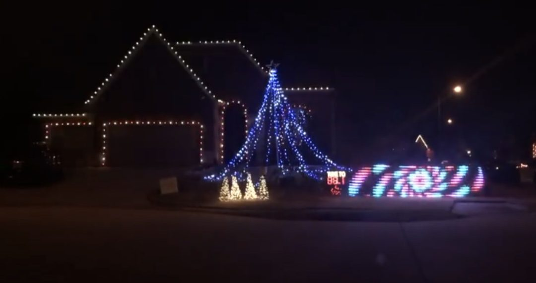 A HOUSTON HOMEOWNER PAYS HOMAGE TO H-TOWN RAPPERS WITH CHRISTMAS LIGHT SHOW